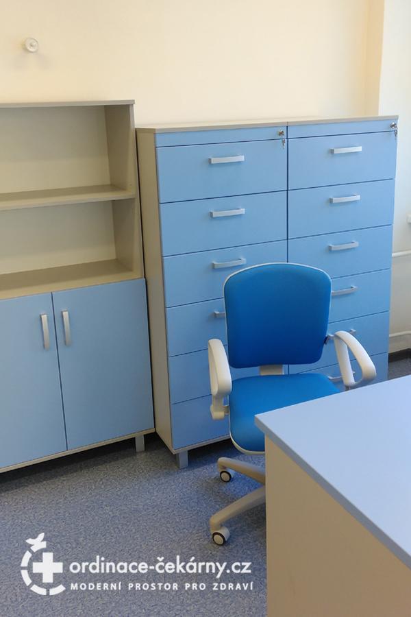 Nábytek do ordinace dětského psychiatra